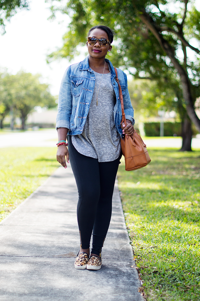 casual weekend outfit with denim jacket grey tunic and black leggings jcrew downing bucket replica bag cognac 1