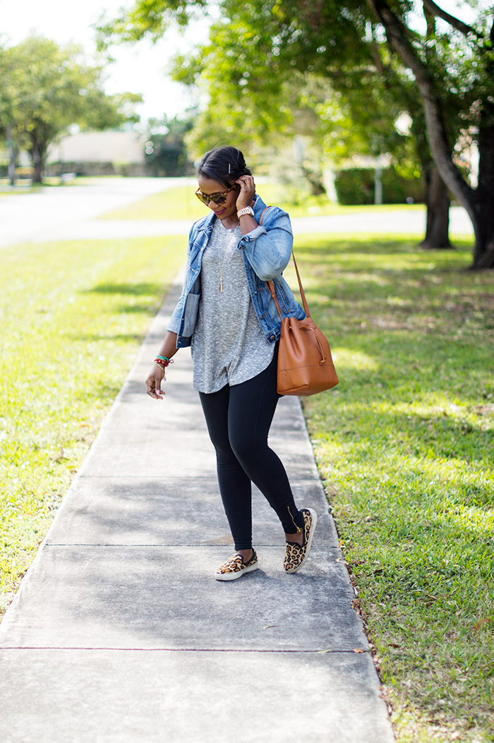 casual weekend outfit with denim jacket grey tunic and black leggings jcrew downing bucket replica bag cognac 7