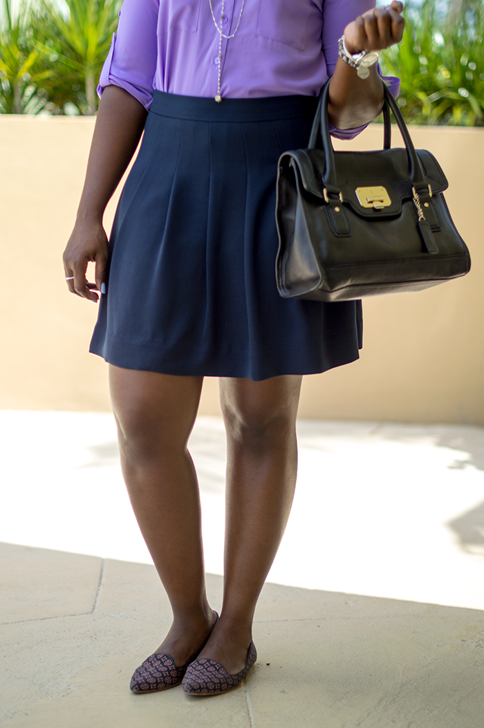 work outfit with purple shirt and navy skirt 3